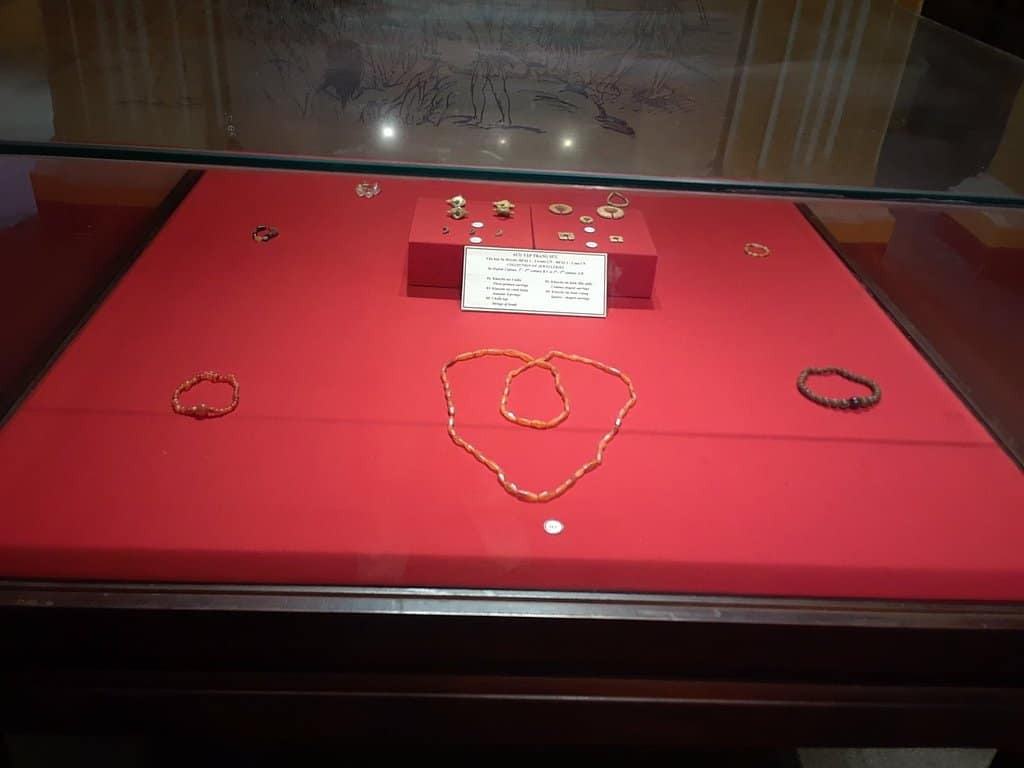 bracelets of Sa Huynh women