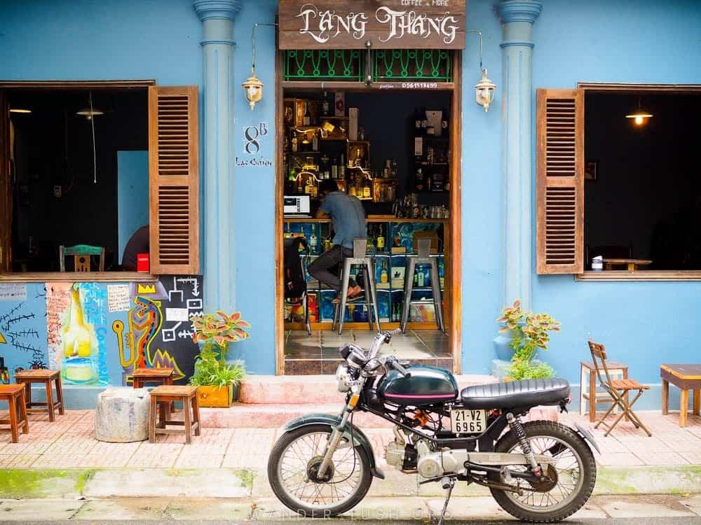 A coffee shop in Truc Bach