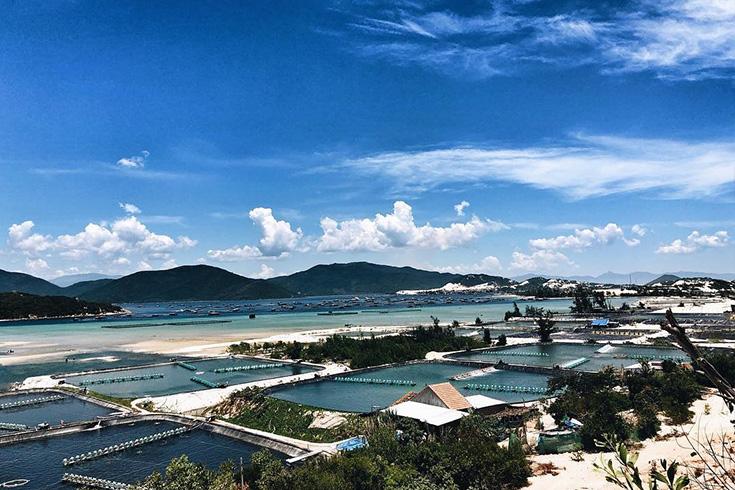 A scene of Van Phong bay