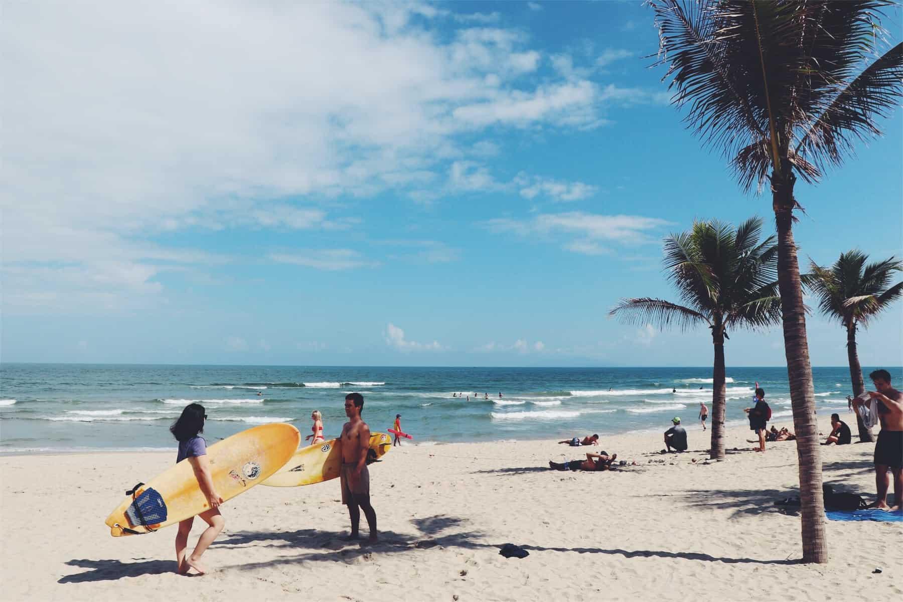 Danang surfing