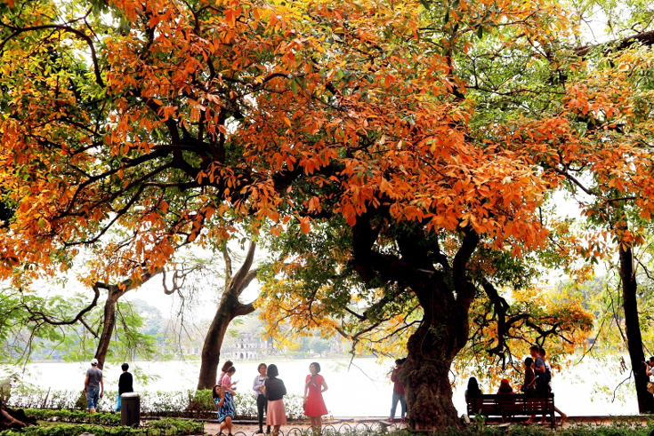 Hoan Kiem Lake in late spring