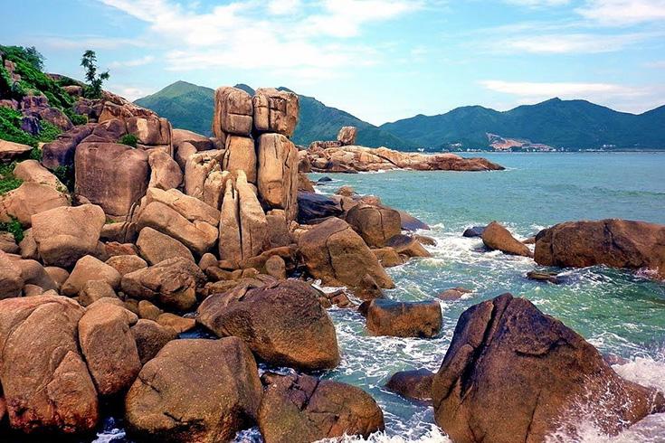 3. Hon Chong Beach, Nha Trang
