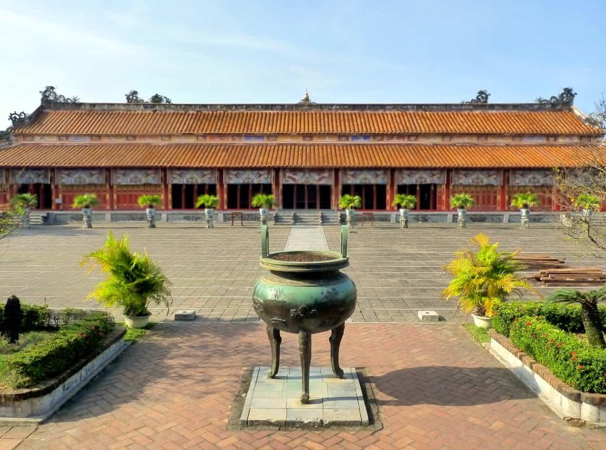 Mieu Thai To Temple Complex