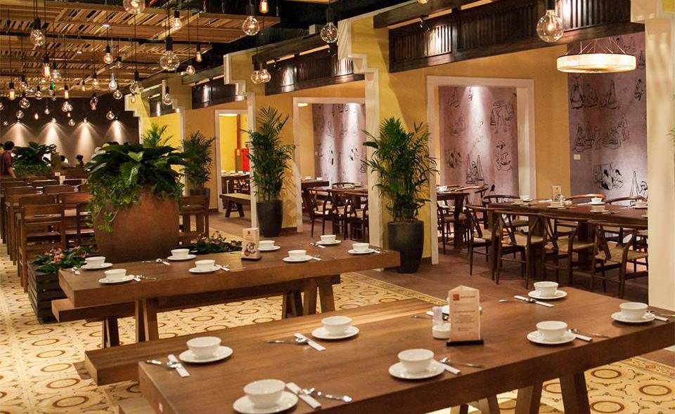 Quan An Ngon restaurant inside