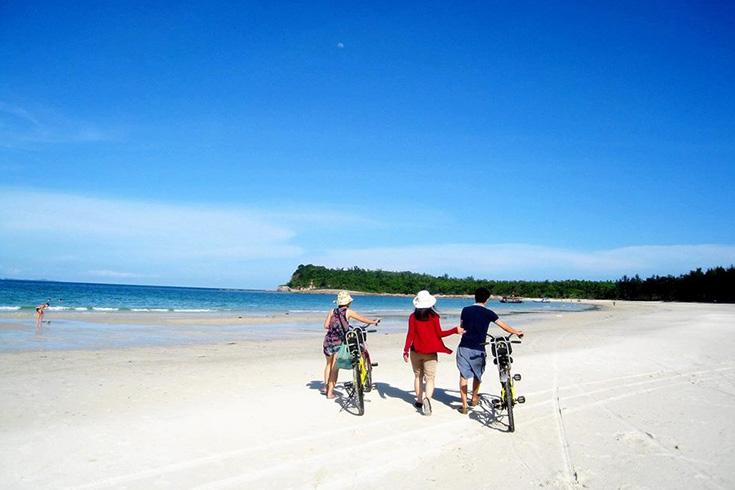 9. Quan Lan Beaches (Quang Ninh)