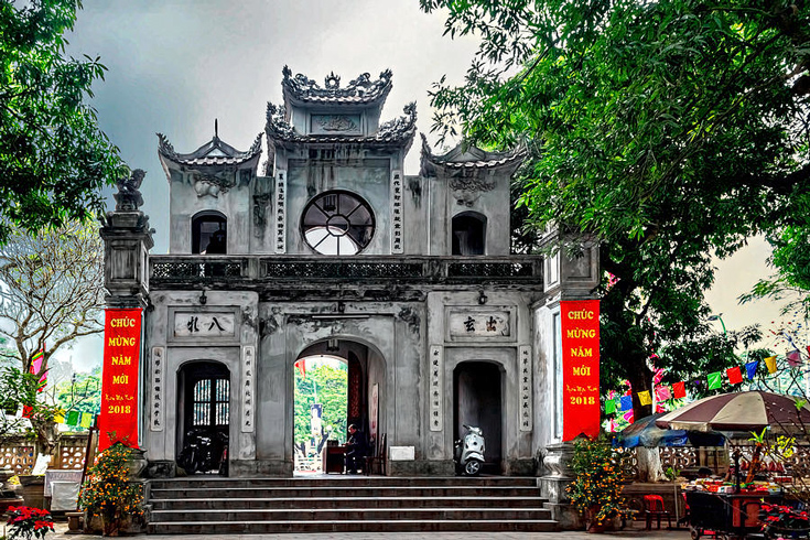 Quan Thanh temple - things to see around West Lake