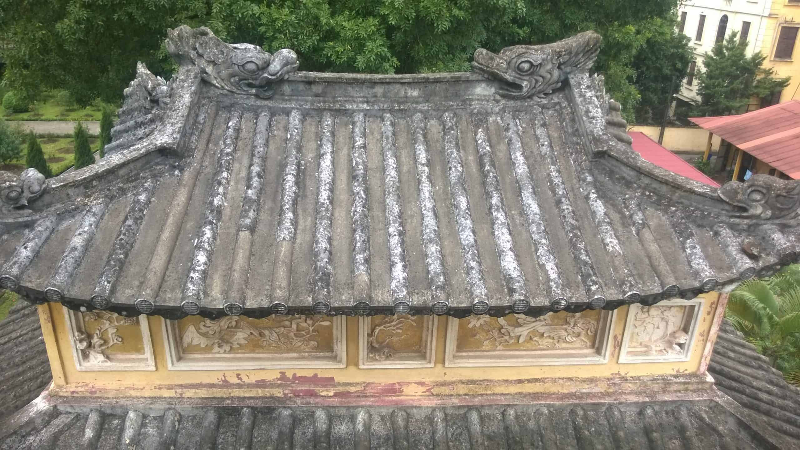 Rooftop of Kinh Thien palace