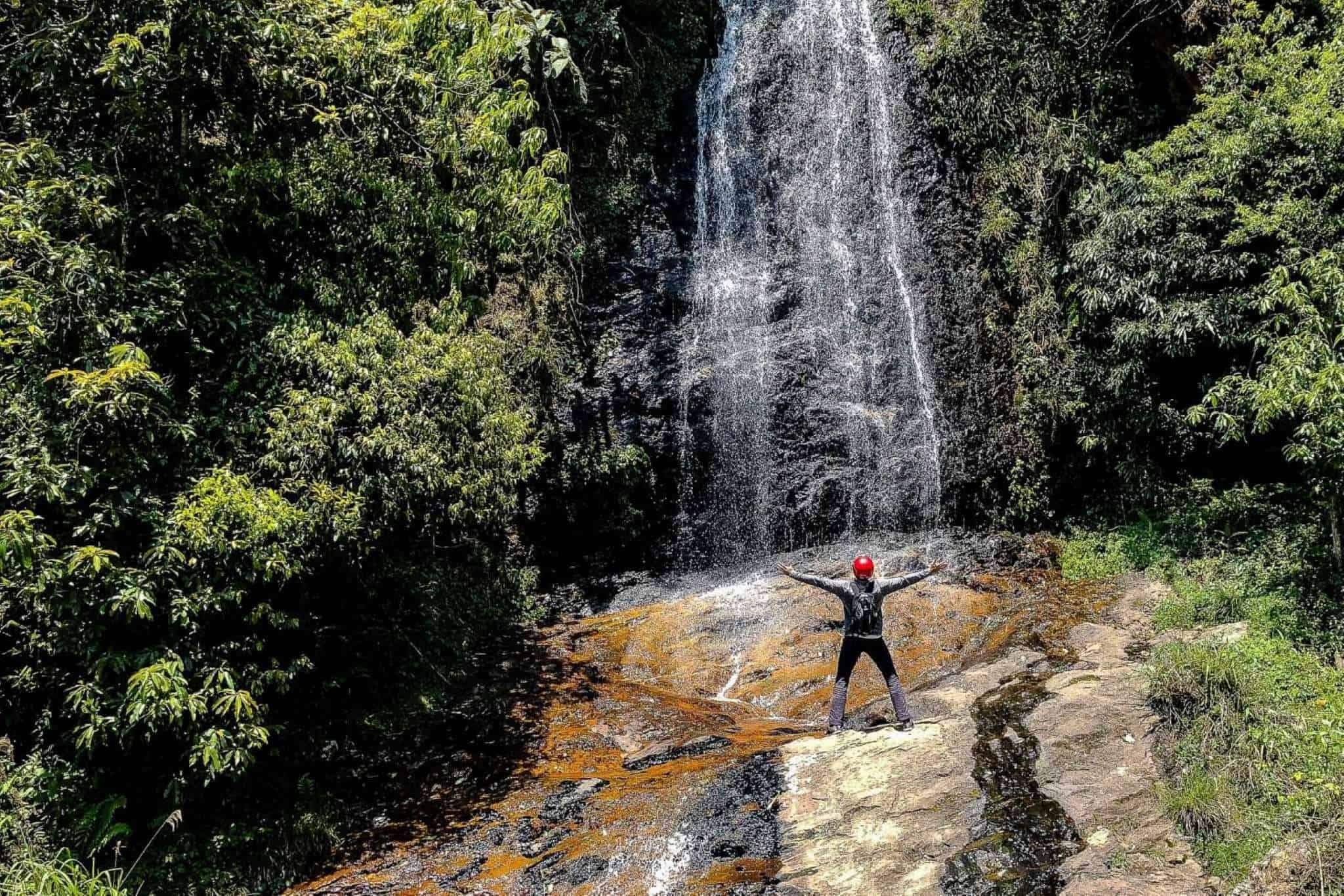 Waterfall near Tram Ton pass