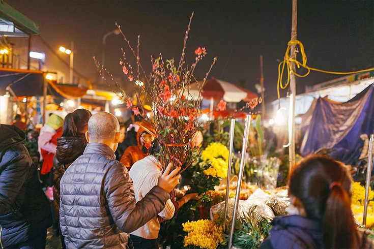 Quang Ba Market in Tet Holidays