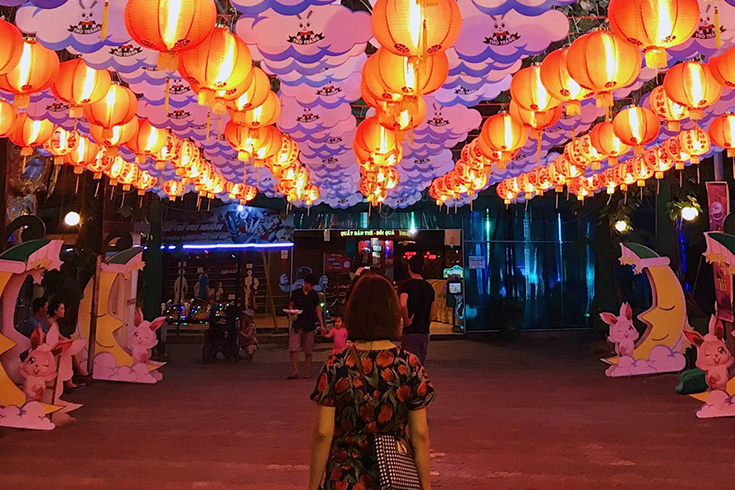 Best Time to Visit the Park - Mid Autumn festival