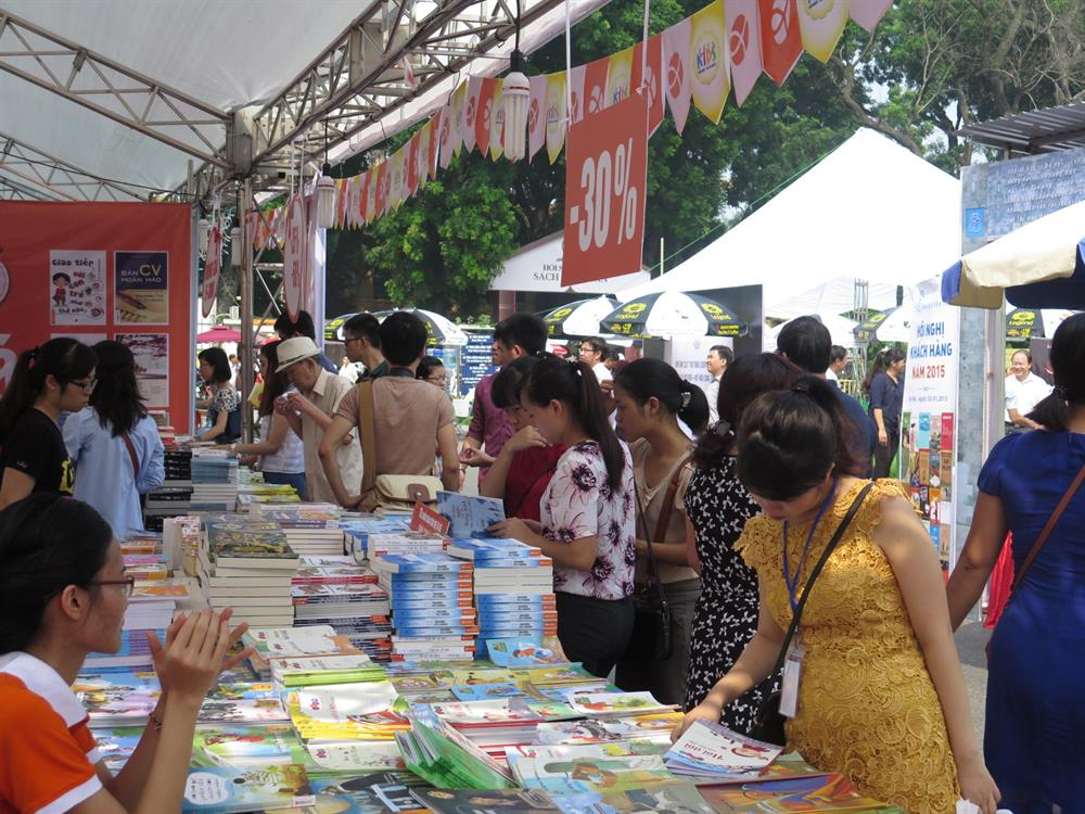 Book festival at Le Van Tam park