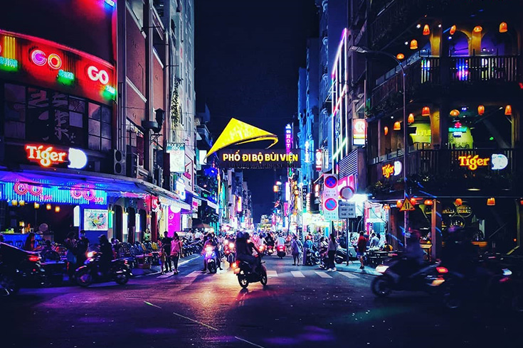 Bui Vien street at night