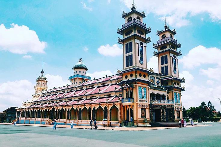 2. Cao Dai Temple, Tay Ninh