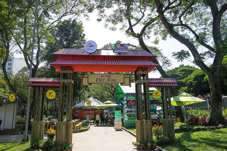 Food Festival at Le Van Tam park