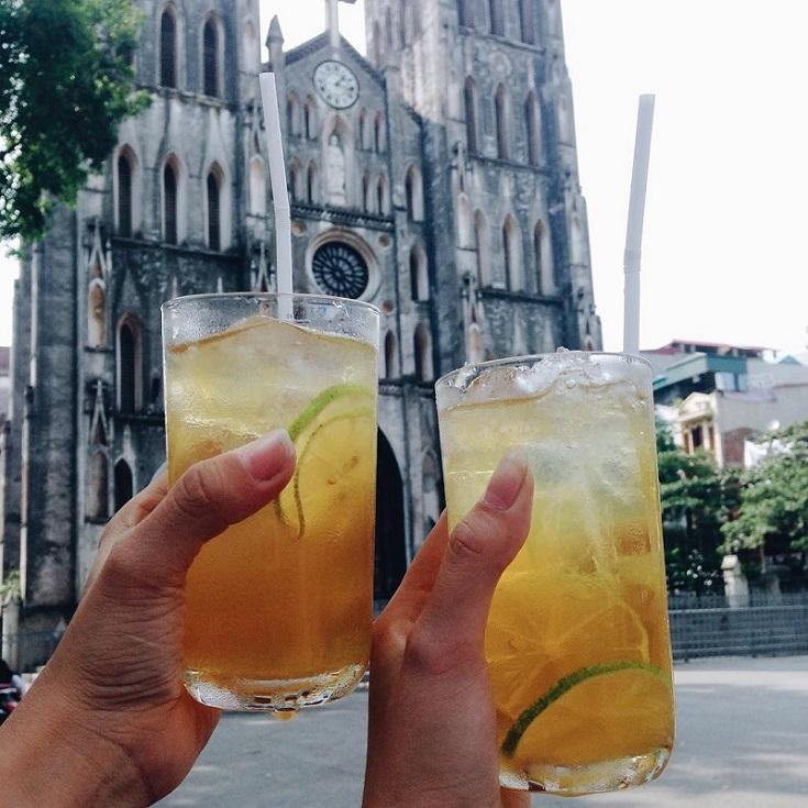 Have lemon tea nearbt St Josephs Cathedral