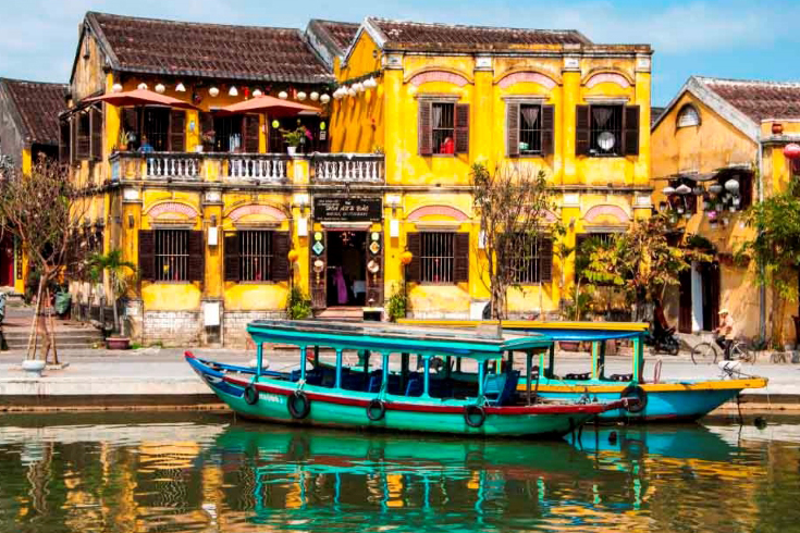 Hoi An - a place for honeymoon in Vietnam