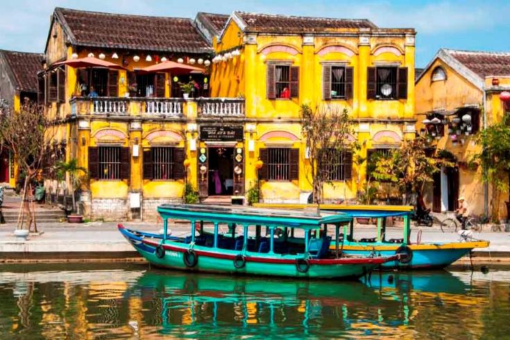 Hoi An - a place for honeymoon in Vietnam