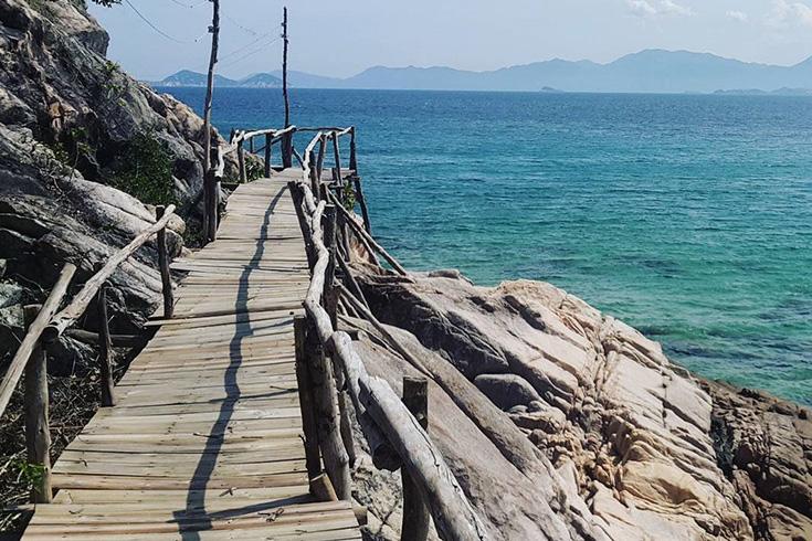 Hon Lon islet at Nam Du island