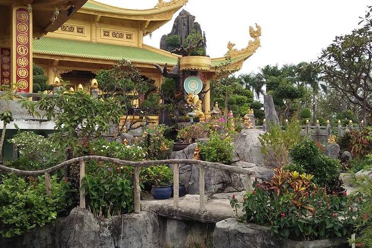 Inside Dai Nam Van Hien