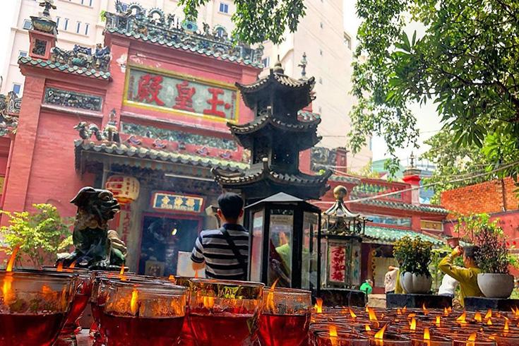 7. Jade Emperor Pagoda, Ho Chi Minh City
