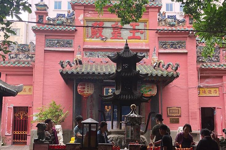 6. Jade Emperor Pagoda