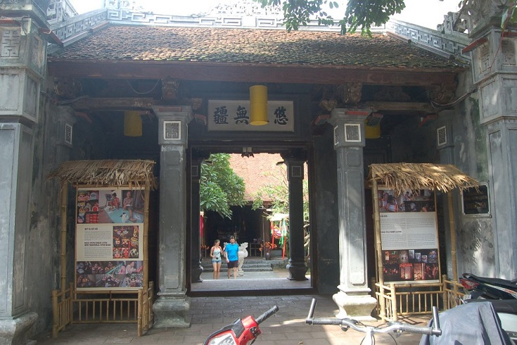 Kim Ngan temple at Hang Bac street