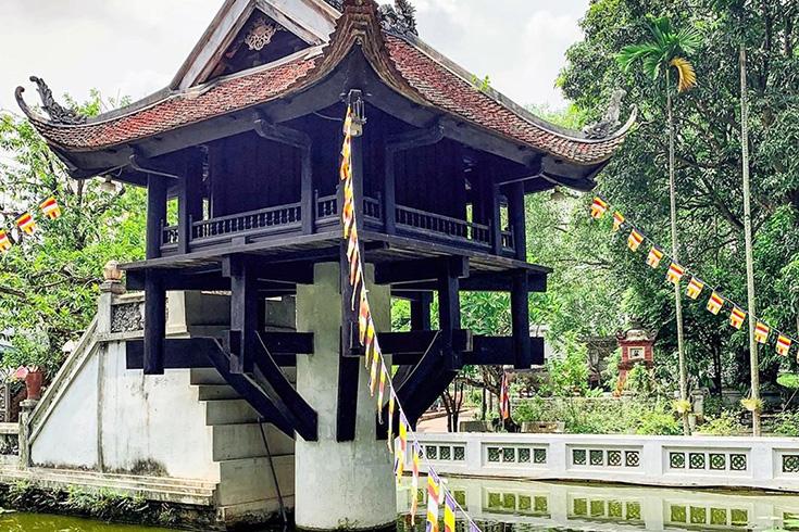 10. One Pillar Pagoda, Hanoi