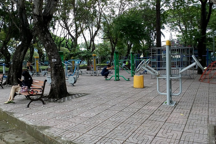 Playground at Le Van Tam park