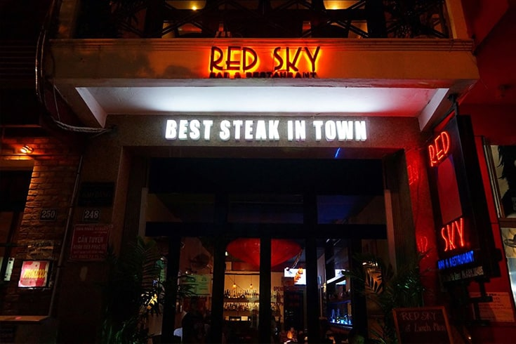 Red Sky Bar & Restaurant