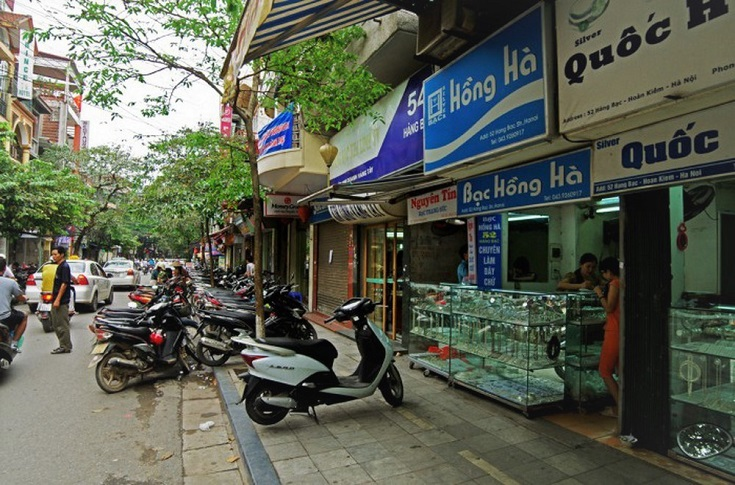 Shops at Hang Bac street