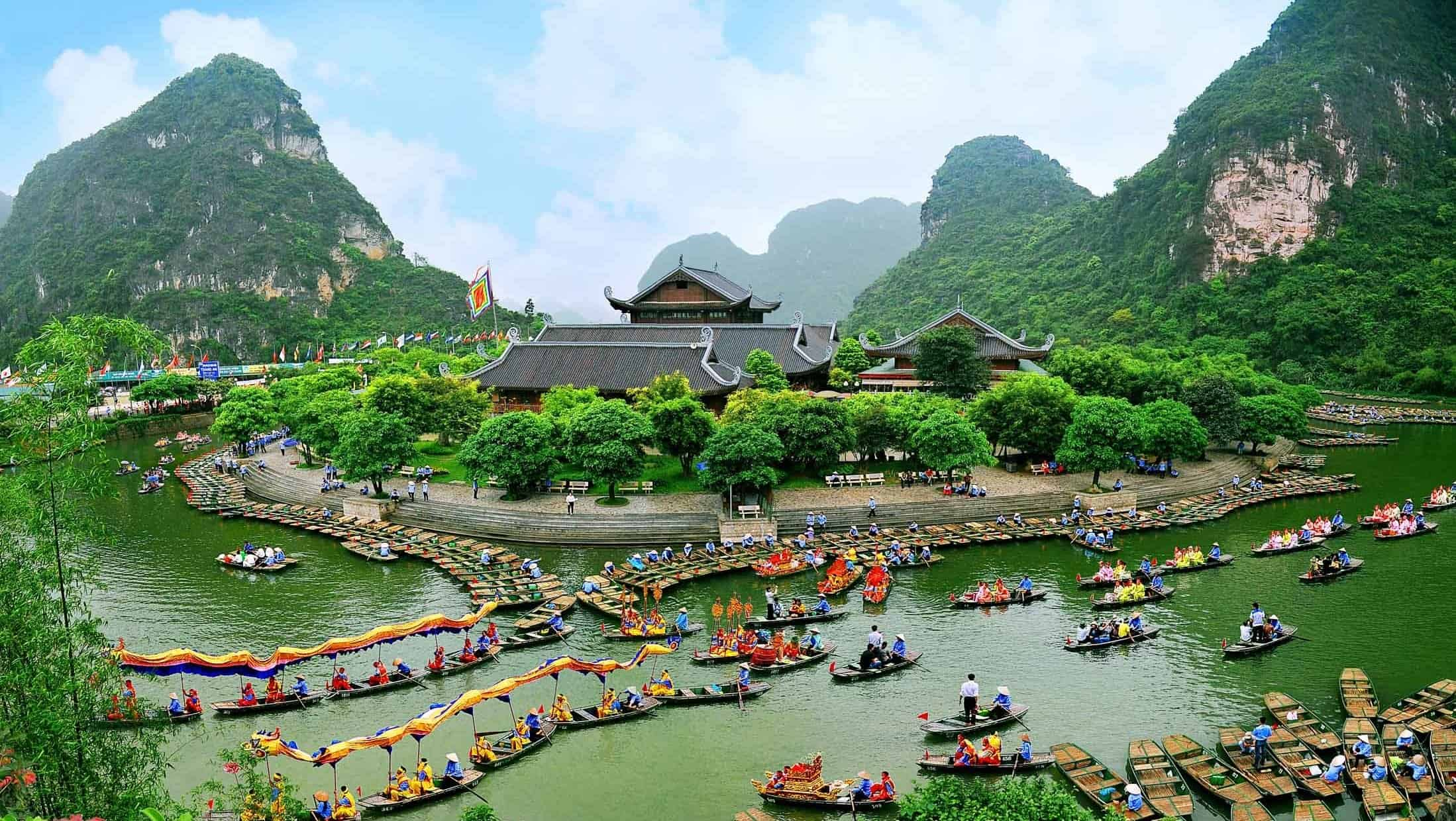 The beauty of Hoa Lu ancient capital