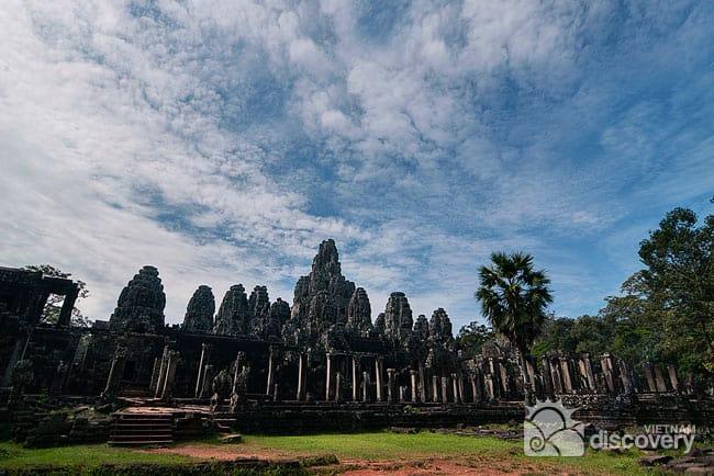 Majestic Mekong Delta Tour from Saigon to Siem Reap
