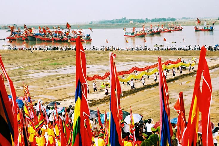 Activities in Kiep Bac temple festival