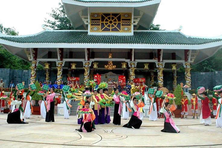 Ceremonies of Ba Chua Xu temple festival