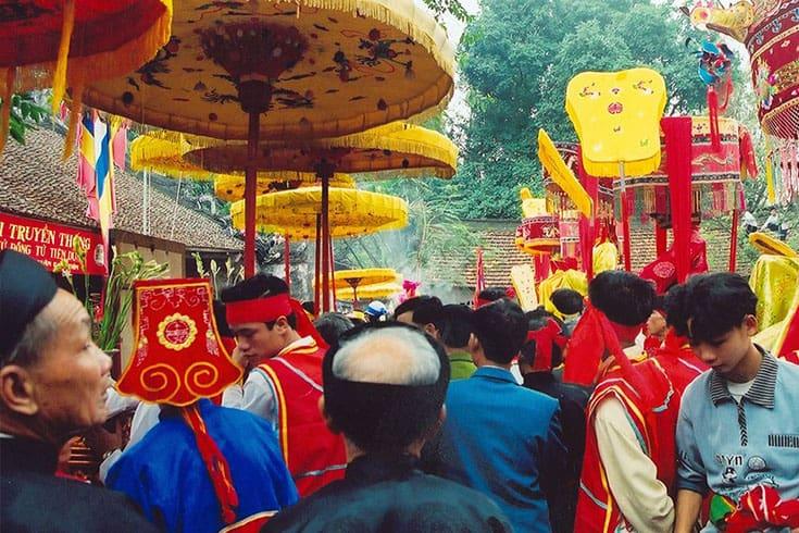 Ceremony in Saint Chu Dong Tu Festival