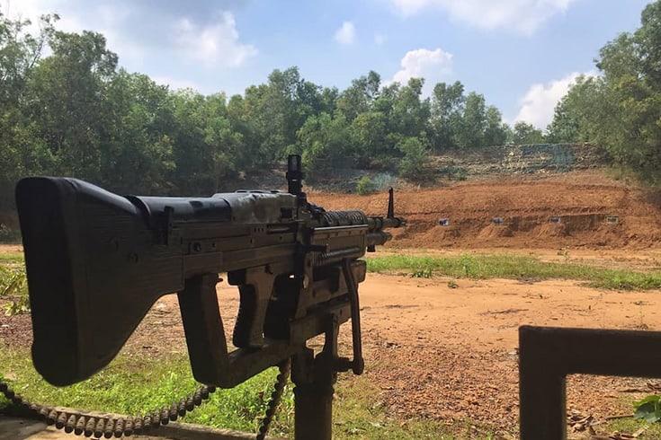 Play gun in Ben Dinh tunnels