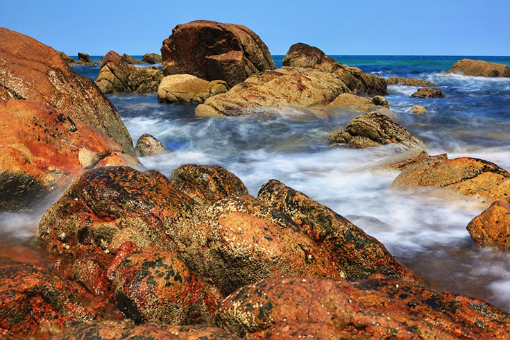 Ke Ga cape white rock reef