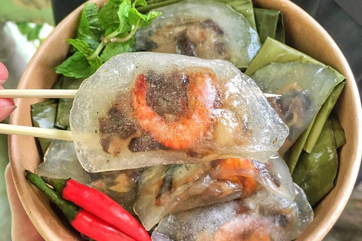 Shrimp and pork clear dumplings