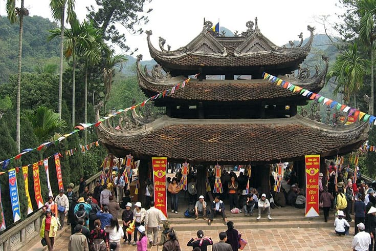 activities at Huong pagoda festival