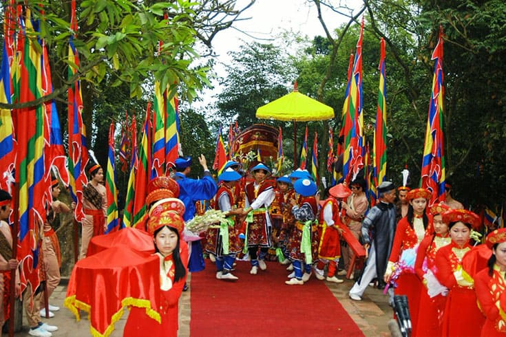 ceremony in Thay pagoda festival