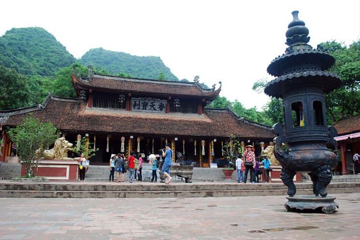 legend of Huong pagoda festival