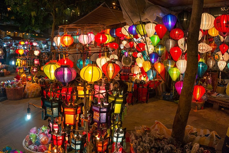 Hoi An night market for shopping in Hoi An