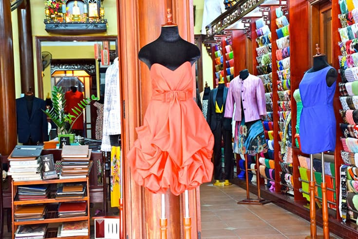 Order a tailor-made suit in Hoi An