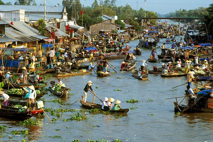 Phung Hiep floating market - popular floating markets in Mekong Delta