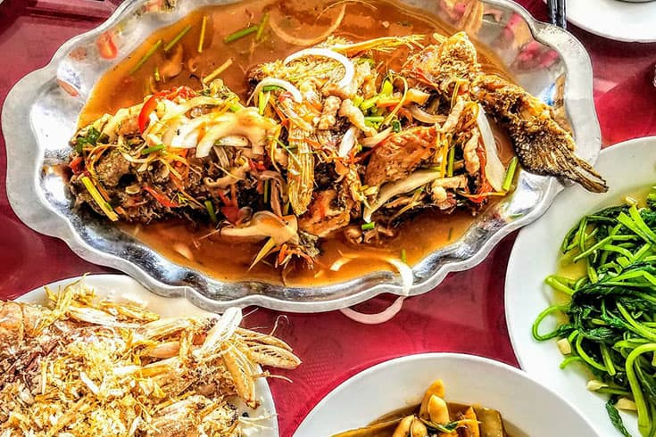 Razor Shells Mantis Prawn in Linh Dan restaurant