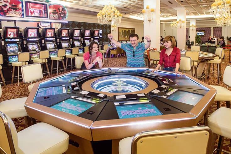 Royal International Gaming Club in Halong Bay