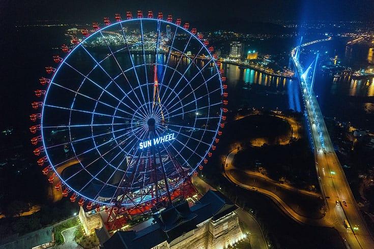 Sun Wheel halong bay