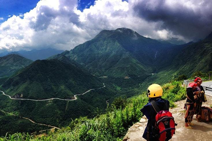 Trekking in Hoang Lien national park