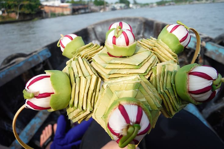bamboo grass bouquet souvenir in Phong Dien floating market