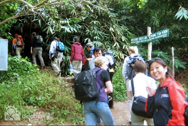 Discover Lan Ha bay by Kayaking and Rock Climbing
